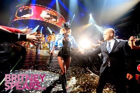 Behind the Scenes of Britney Spears' Circus Tour - The