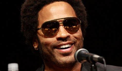 """NSFW: Lenny Kravitz Gives Concert Goers """"Extra"""" Show"""