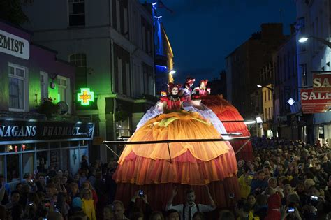 Record-breaking crowds of 200,000 attend Galway