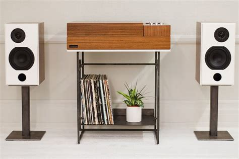 Wrensilva Loft console combines a turntable with Sonos